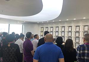 深圳科技企业参观-走进柔宇科技学创新